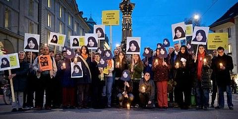 Gegen 100 Menschen protestierten gegen die drohende Hinrichtung von Sakineh Ashtiani © Susanne Keller