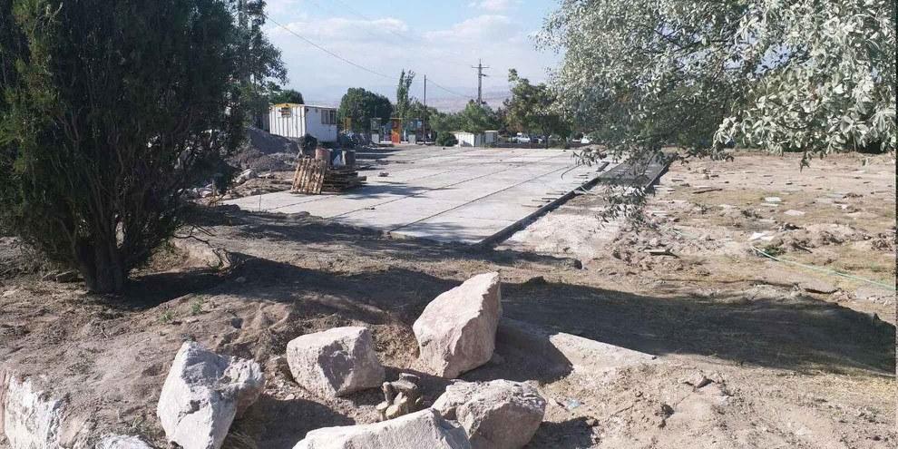 Ein vermutetes Massengrab auf dem Friedhof von Vadieh Rahmat wurde im Jahr 2017 zerstört. © People's Mojahedin Organization of Iran, 2017