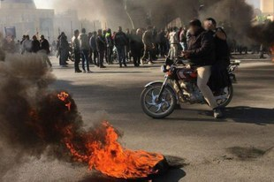 Tausende wegen Teilnahme an Protesten willkürlich inhaftiert und in Foltergefahr