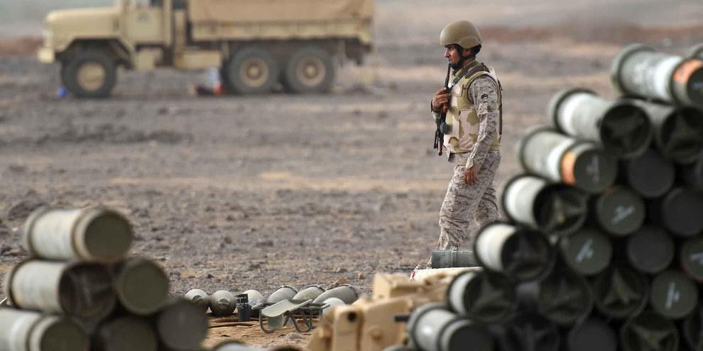 Ein saudi-arabischer Soldat in einem Stützpunkt nahe der jemenitischen Grenze, April 2015. ©  AFP/Getty Images