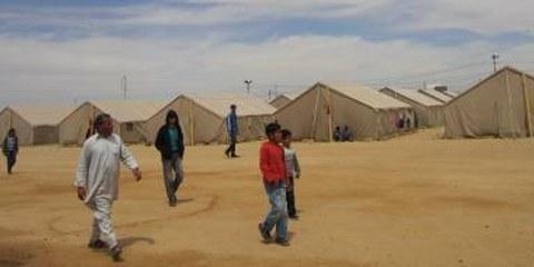Flüchtlingslager bei Dhehiba an der tunesisch-libyschen Grenze ©AI