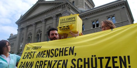 Kundgebung vor dem Bundeshaus September 2015 © Amnesty International