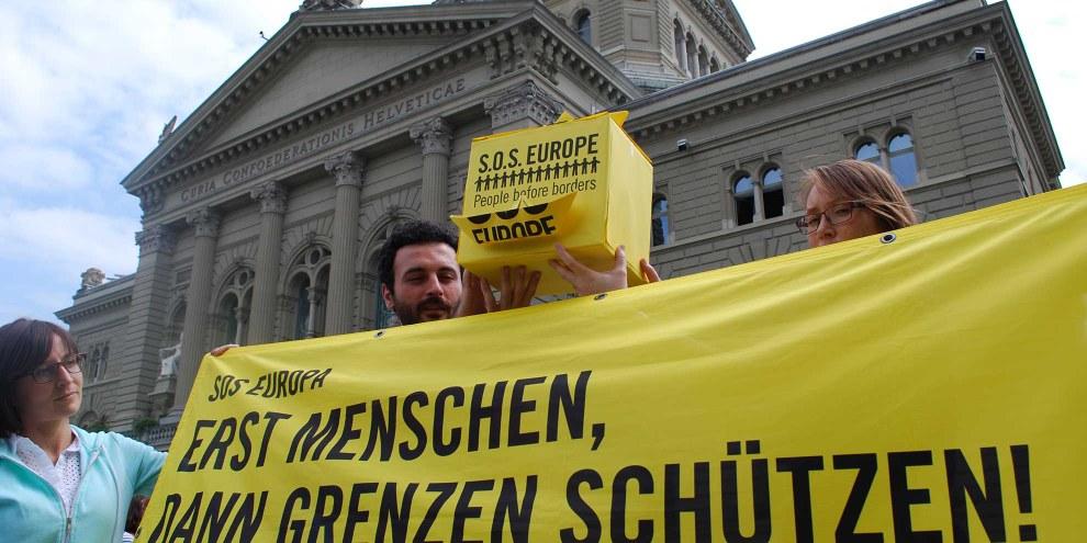 Kundgebung vor dem Bundeshaus September 2015 © Amnesty International