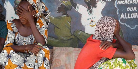 Der grösste Teil der Flüchtlinge in Nigeria sind intern Vertriebene, wie hier in Yola. Diese Frauen flohen vor den Boko Haram. © Sunday Alamba