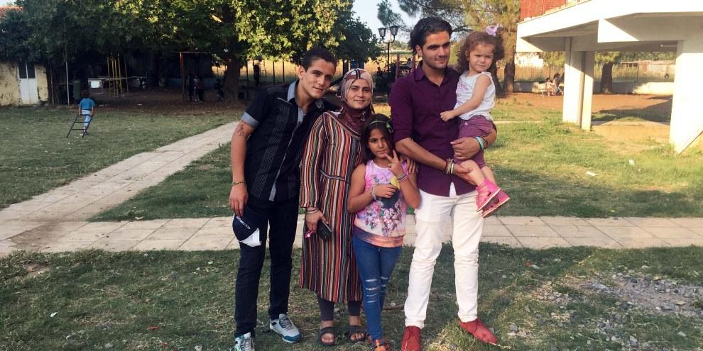 Ahmed und seine Familie. © StrickWärme 2017