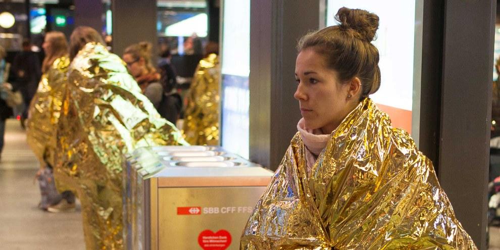Amnesty Aktivistinnen und Aktivisten waren in mehreren Schweizer Städten für mehr Schutz von Flüchtlingen unterwegs. Für weitere Bilder auf das Bild klicken. © Amnesty International