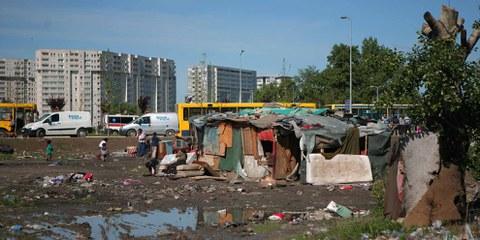 Am 26. April 2012 wurden in Belgrad etwa 240 Haushalte zwangsgeräumt und fast 1000 Roma vertrieben. © Amnesty International