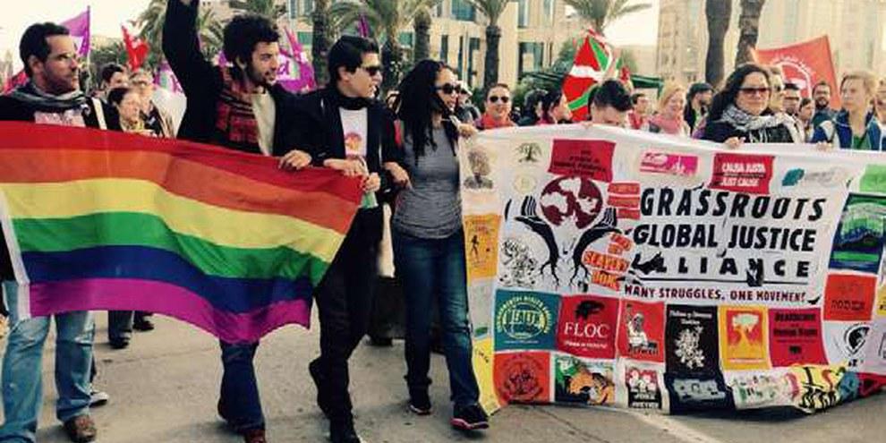 Umzug von LGBTI-AktivistInnen am Weltsozialforum in Tunis im März 2015 © Grassroots Global Justice Alliance
