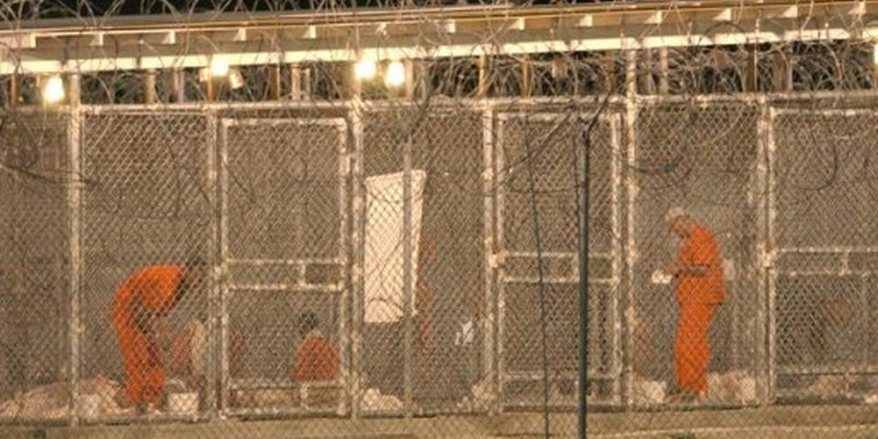Camp X-Ray à Guantánamo Bay. | © AP