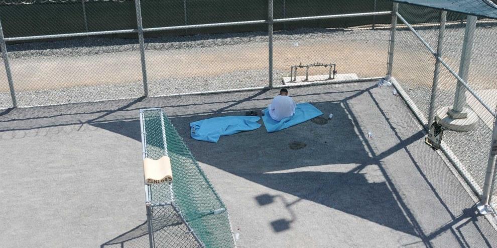 Ein Gefangener in Camp 6 in Guantanamo,  2011 © US DoD