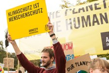 UN-Menschenrechtsausschuss stärkt Rechte von Klimaflüchtlingen