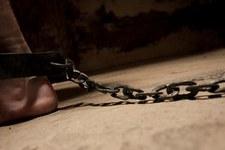 Isoliert, erniedrigt und gequält: Unmenschliche Haftbedingungen im Todestrakt
