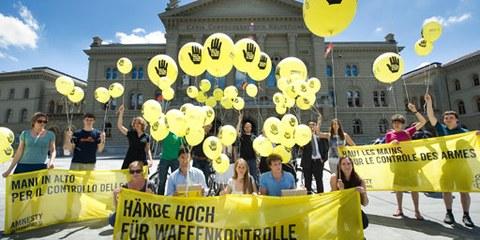 Petitionsübergabe auf dem Bundesplatz. © Valérie Chételat
