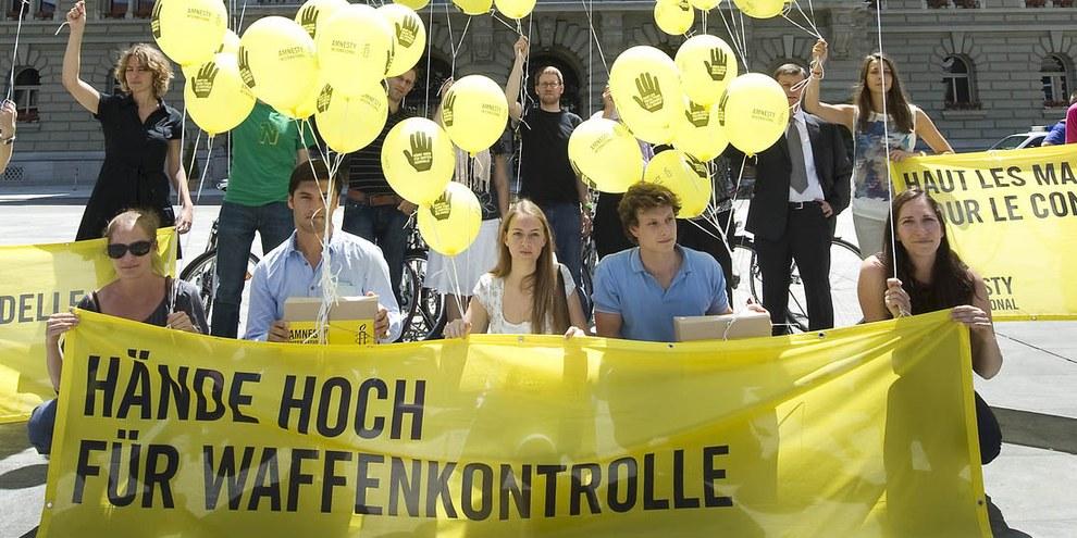 Aktion in Bern für ein Waffenhandelsabkommen. © AI