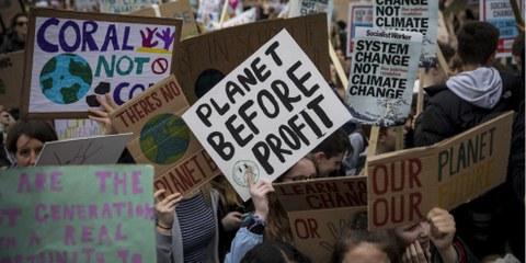 Der Klimawandel hat gravierende Auswirkungen auf die Menschenrechte. Im Bild: Klimastreik in London, März 2019. © Amnesty International (Photo: Richard Burton)