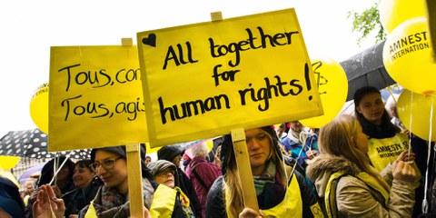 Aktion an der Generalversammlung von Amnesty Schweiz, April 2016. © Klaus Petrus