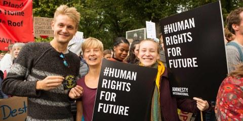Überall auf der Welt engagieren sich Menschen – gerade junge Menschen – für Klimaschutz. © Amnesty International / Photo: Jarek Godlewski