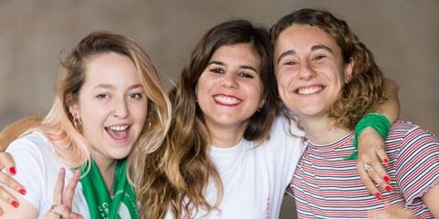 Im vergangenen Jahr kamen Hunderttausende von Mädchen und Frauen zusammen, um den argentinischen Gesetzgeber aufzufordern, Schwangerschaftsabbrüche zu entkriminalisieren. Diese Frauen waren Teil einer riesigen Kampagne aus verschiedensten Bewegungen und Organisationen, darunter Amnesty International Argentinien. © Pablo Mekler