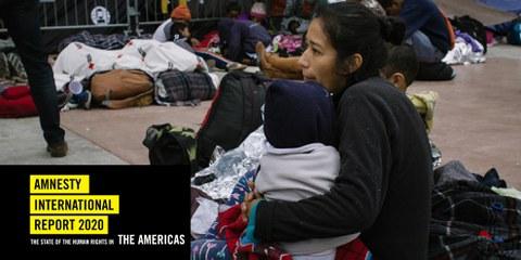 Zehntausende Menschen flohen vor der in ihren Ländern herrschenden Gewalt, Armut und Ungleichheit Richtung Norden.  Für viele – wie für diese Frau und ihr Kind – bedeutete Tijuana an der mexikanischen Grenze zu den USA aber das vorläufige Ende der Reise. © Sergio Ortiz/Amnesty International