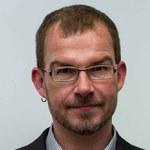 Andreas Langenohl, geboren 1970, ist Professor für Soziologie mit Schwerpunkt Allgemeiner Gesellschaftsvergleich an der Justus-Liebing-Universität Giessen. Er studierte Soziologie und Sprachwissenschaft in Deutschland, der Ukraine und Russland. In seiner Forschung beschäftigt er sich unter anderem mit Modernisierungsprozessen und Wirtschaftssoziologie.