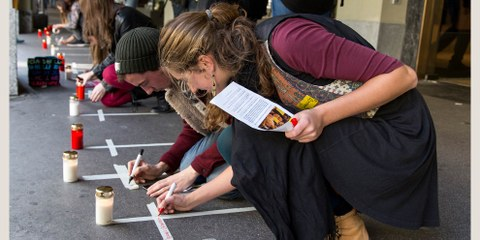 Strassenaktion für die verschwunden Studenten von Ayotzinapa am End-of-Summer Weekend 2015 in Bern © Michael von Bergen