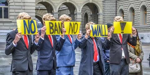 Amnesty International manifeste contre le décrêt anti-musulmans de Trump. © Amnesty International / Philippe Lionnet