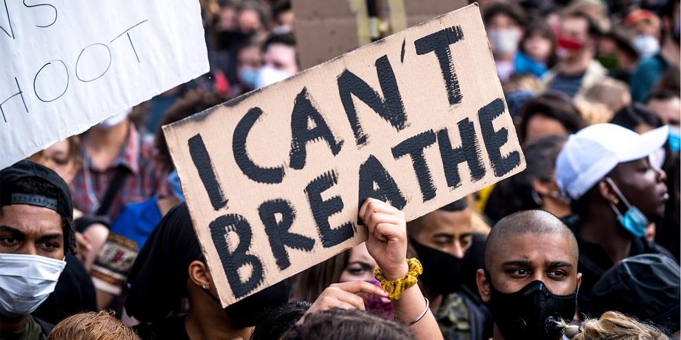 Environ 50 000 personnes ont participé à une manifestation contre le racisme à Vienne le 4 juin 2020. ©  Christopher Glanzl / Amnesty International Austria