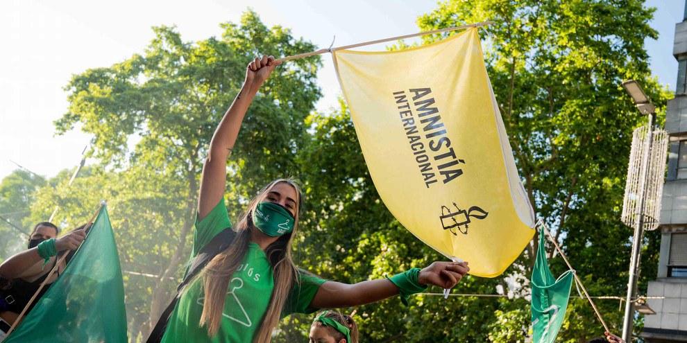 Action des membres et sympathisant·e·s d'Amnesty International Argentine pour exiger le droit à l'avortement, à Buenos Aires, en décembre 2020. © Tomás Ramírez Labrousse/Amnesty International
