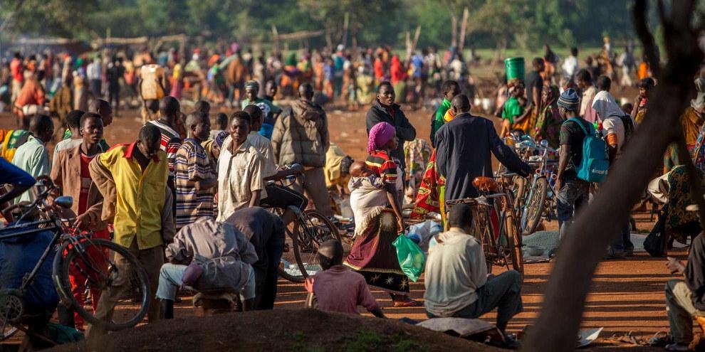 En 2015, une crise a éclaté au Burundi suite à la décision du président de briguer un troisième mandat. Depuis, plus de 400 000 personnes ont fui le pays (comme ici, en Tanzanie), auxquelles s'ajoutent plus de 200 000 personnes déplacées à l'intérieur du pays. © UNHCR/Georgina Goodwin