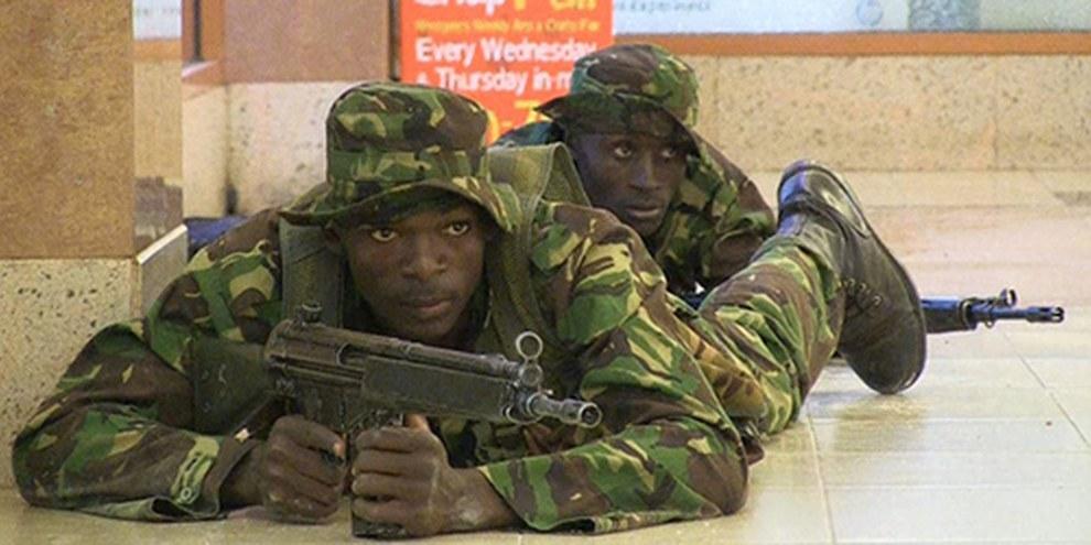 Des troupes ont pris position dans le centre commercial de Westgate, à Nairobi. © Nichole Sobecki/AFP/Getty Images
