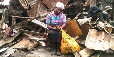 À Nairobi, 400 familles ont été expulsées en mai 2013 à l'aide de munitions et de gaz lacrymogènes. © AI