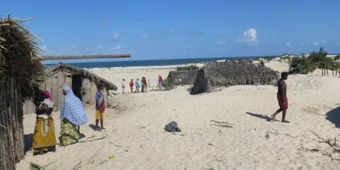 Le village côtier de Nagonha risque d'être englouti par l'océan Indien. En cause, les activités minières d'une entreprise chinoise. © Amnesty International