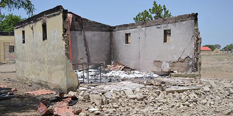 Le 14 avril 2014, deux cent trente-sept lycéennes ont été enlevées et l'école de Chibok a été incendiée par Boko Haram © Droit réservés