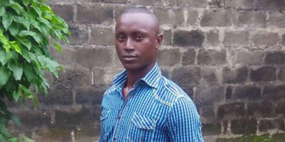Le jeune Nigérian, condamné à mort pour le vol de téléphones portables a été gracié au terme d'une intensive campagne menée par les militants d'Amnesty International. © HURSDEF