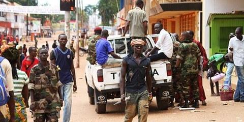 Des troupes mandatées par l'ONU pourraient être envoyées pour faire cesser le cycle de la violence. © AP photo