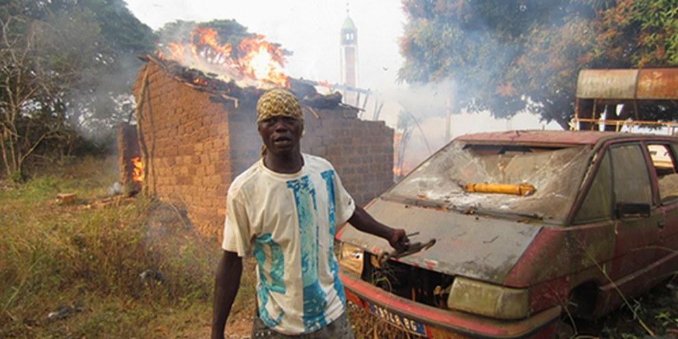 Les violences interconfessionnelles sont encore plus violentes dans les zones hors du contrôle des forces de maintien de la paix. © AI