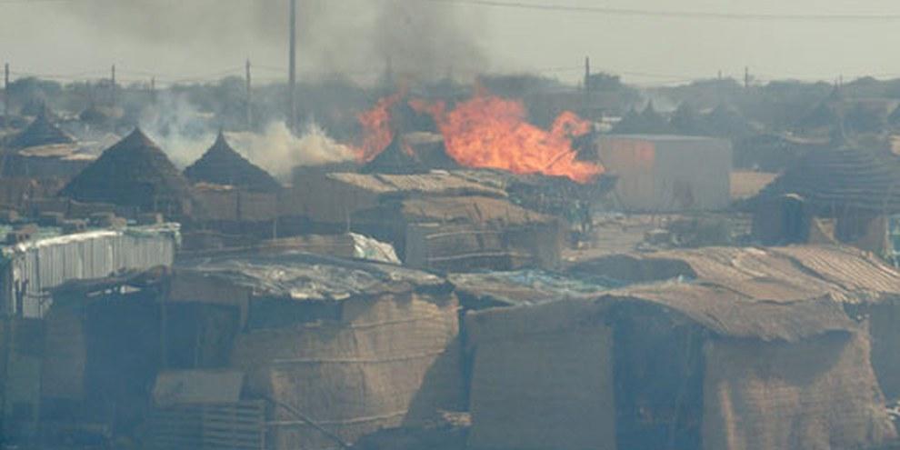 Destruction de la ville d'Abyei durant les affrontements armés de mai 2011. © ENOUGH project