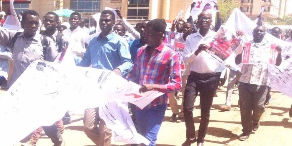 Des dizaines d'étudiants sont tués, blessés et expulsés des universités depuis 2014 pour s'être mobilisés contre les violations des droits humains au Darfour. © Darfur Students' Association