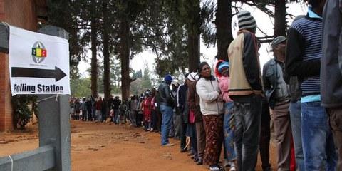 Malgré certaines craintes, les élections se sont déroulés pacifiquement © AI