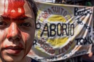 Femmes activistes victimes d'agressions, de surveillance et de diffamation