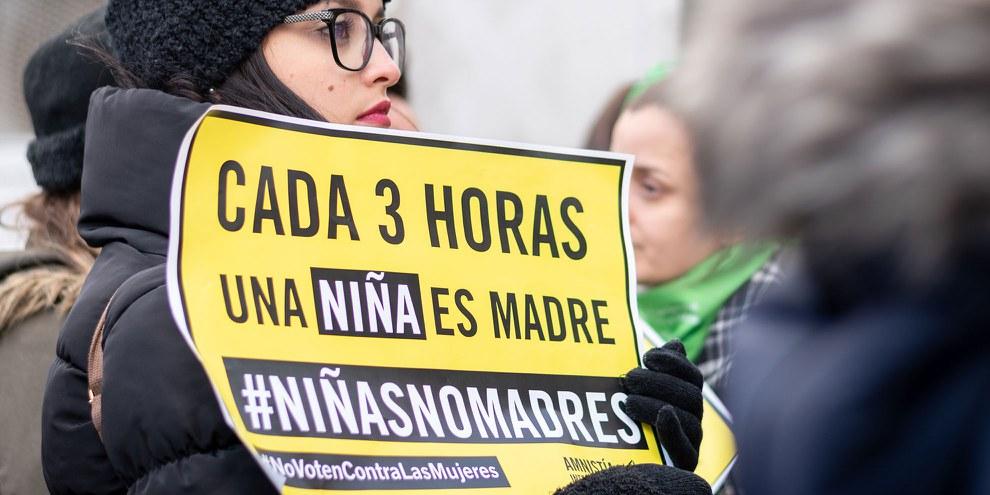 Plusieurs milliers de personnes sont décendues dans les rues de Buenos Aires pour réclamer la dépénalisation de l'avortement, mais le Sénat a finalement rejeté le projet de loi du pouvoir exécutif. © Amnistía Internacional Argentina / Demian Marchi
