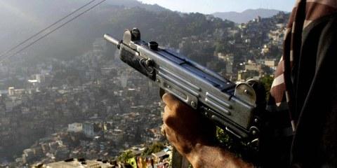 L'application «Cross-fire» vise à faire mieux connaître la réalité tragique de la violence des armes à Rio de Janeiro, et à inciter les autorités à prendre de vraies mesures pour résoudre cette crise. © Christian Franz Tragni/Demotix