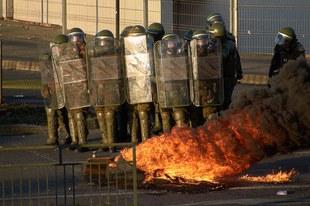 Les violences excessives à l'encontre des manifestants ne tarissent pas