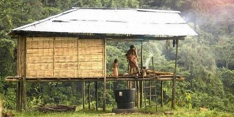 Maison indigène Embera, Communauté de Playa Alta, département du Chocó. © Jacques Merat