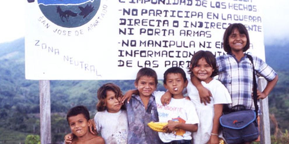 Des enfants de la communauté de Paix San José de Apartadó, en Colombie. © DR