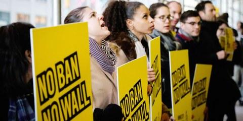 Action d'Amnesty contre le premier décret anti-musulmans du président Donald Trumps. © Amnesty USA
