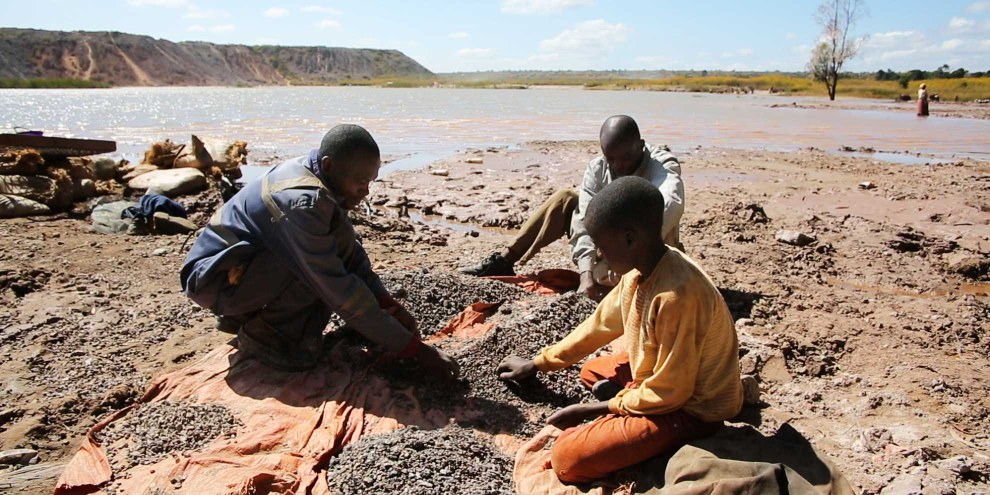 Extraction de cobalt de façon artisanale en République démocratique du Congo. © Amnesty International