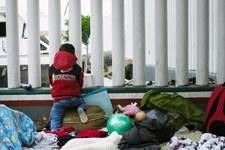 Le décret présidentiel emprisonne les familles indéfiniment, causant davantage de préjudices aux enfants