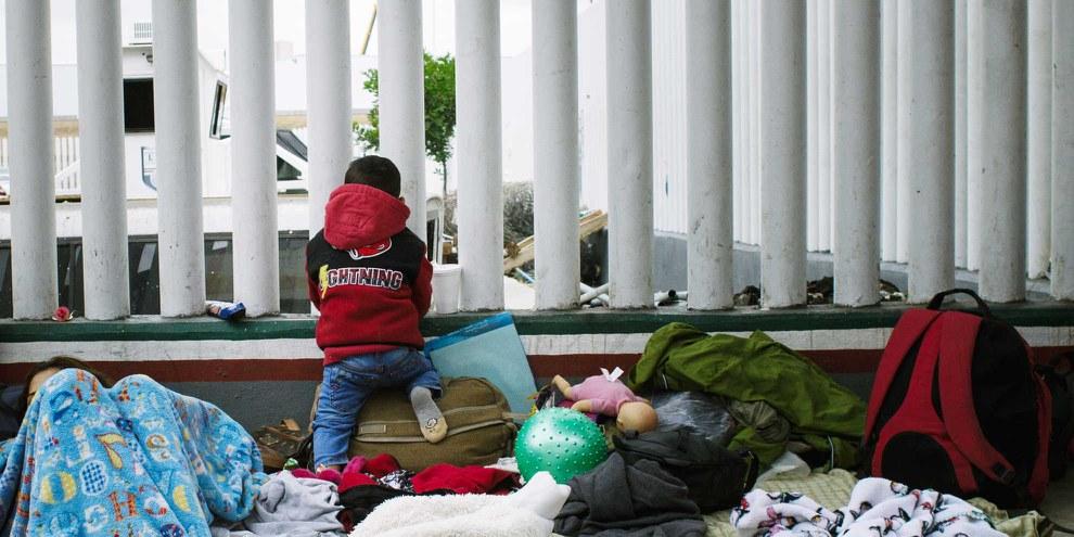Migrants à Tijuana, ville mexicaine de l'Etat de Basse-Californie. © Sergio Ortiz/Amnesty International