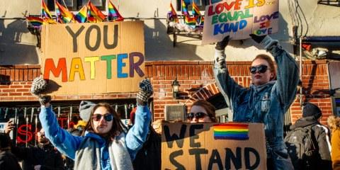 La nuit du 28 juin 1969, neufs policiers effectuaient un raid au Stonewall Inn, un bar gay de Greenwich Village, déclenchant une série d'émeutes.© Mathias Wasik / wasikphoto.com